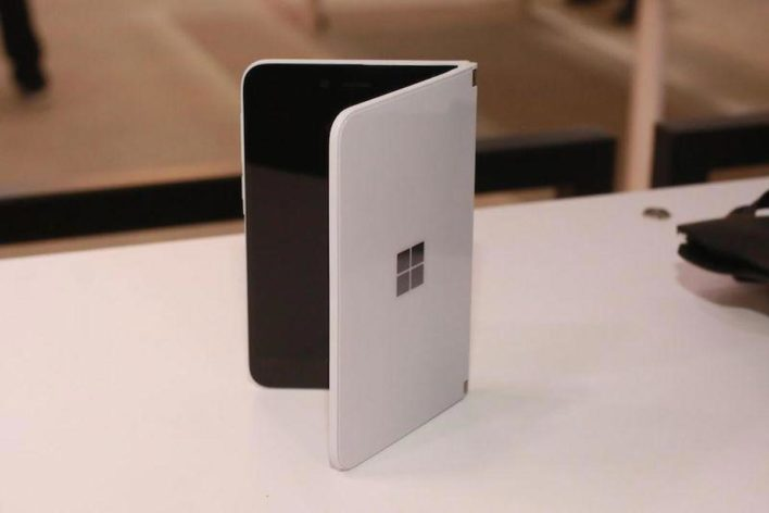 Microsoft Surface Duo: гибкий смартфон на Android