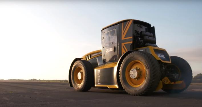 Не тихоход. Трактор JCB установил мировой рекорд скорости!