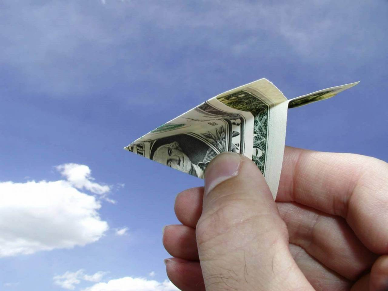 Когда в России законодательно отменят «банковский роуминг»?