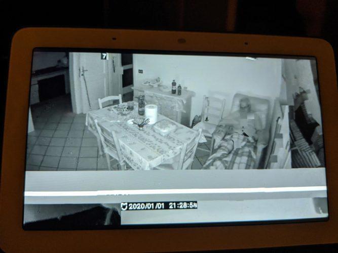 Баг камеры Xiaomi показал видео посторонних людей
