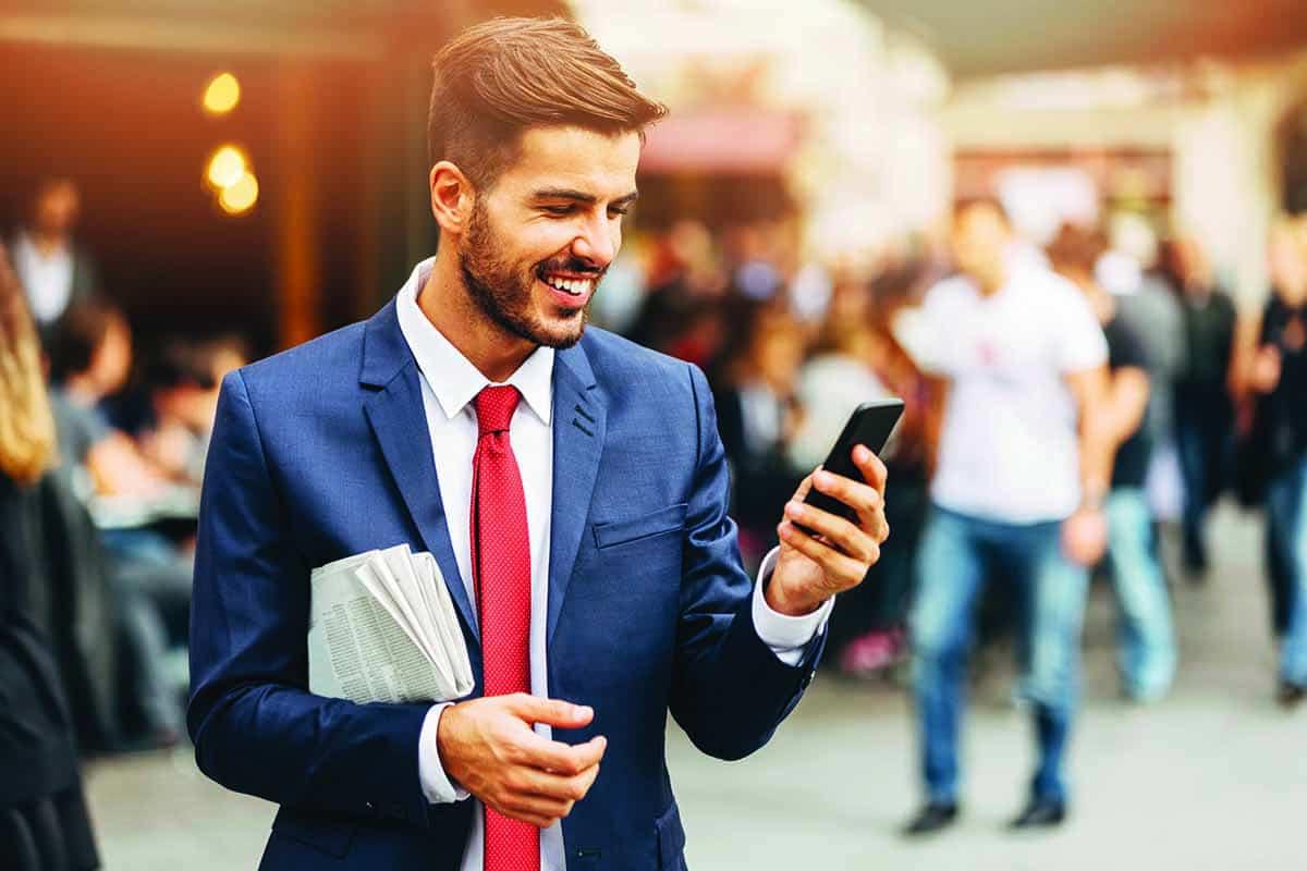 Картинки мужчины на смартфон традиции