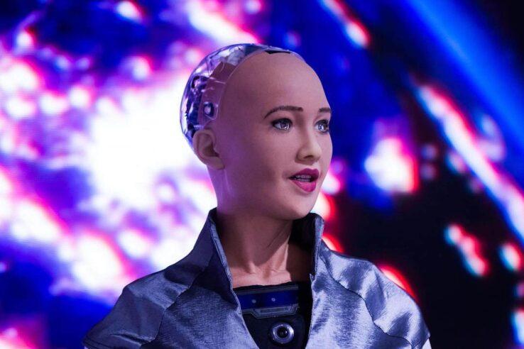 Робот-художник мечтает стать музыкантом!