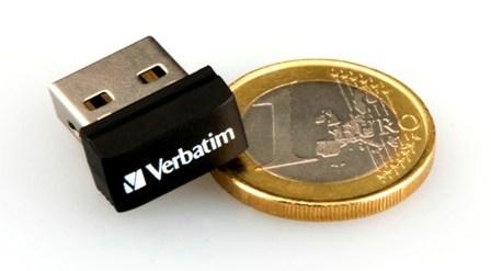 Миниатюрный флеш-накопитель Verbatim для автомагнитол