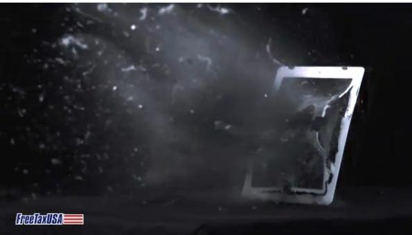 Видео № 2: Разрушение iPad 2 в замедленной съемке