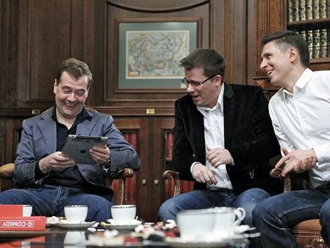 Твиттер Медведева набрал миллион подписчиков