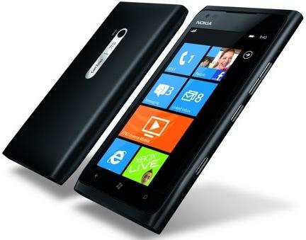 Официальный Nokia Lumia 900 пришел в Россию