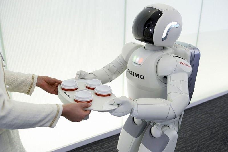робот помощник Asimo