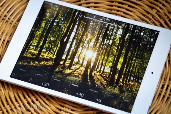 Компания Adobe объявила о выпуске приложения Lightroom mobile для iPad