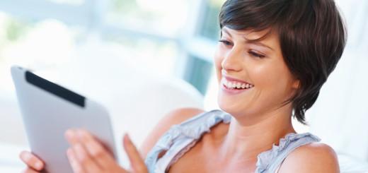 Женщины чаще мужчин пользуются мобильным интернетом