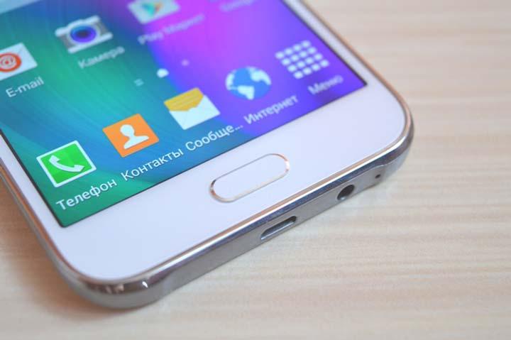 Дисплей в Samsung Galaxy E5