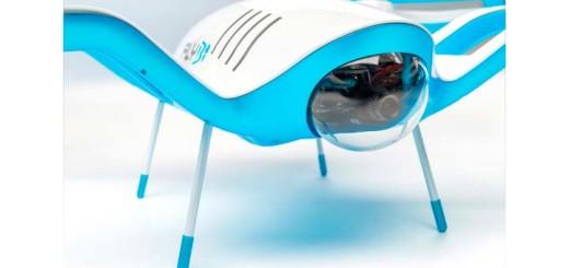 Летающий дрон сам себе меняет батарейки