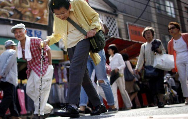 В Японии в продаже появилась обувь с встроенными GPS-маяками