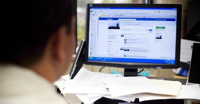 Facebook создаст версию социальной сети для работы в следующем году.