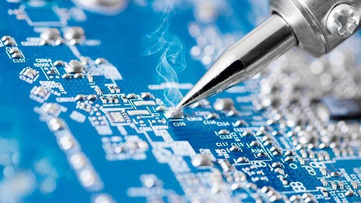 «Росэлектроника» планшет и смартфон