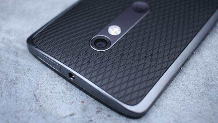 Дизайн и эргономика Motorola Moto X Play