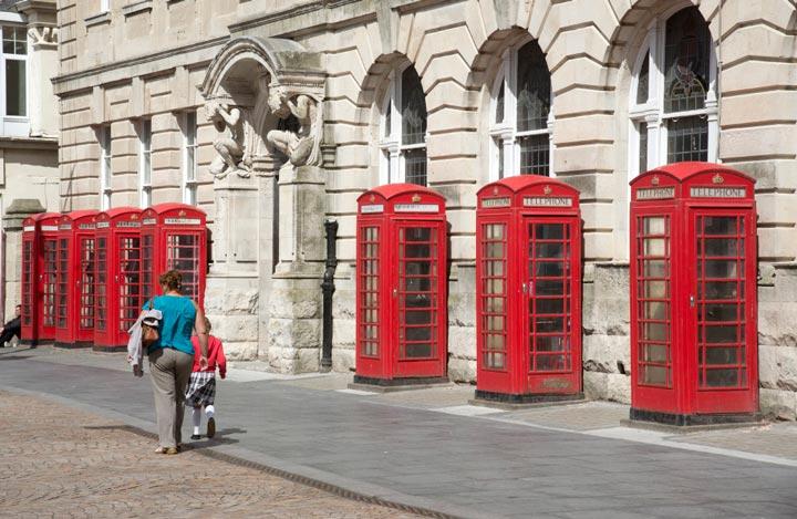 Старые телефонные будки