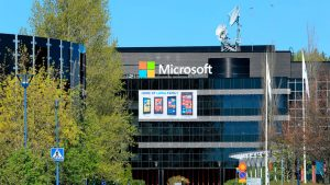Microsoft уходит с рынка смартфонов