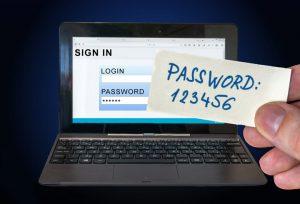 Пользователи используют простые пароли
