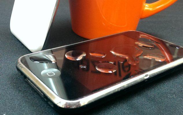 В iPhone попала вода. Что делать?