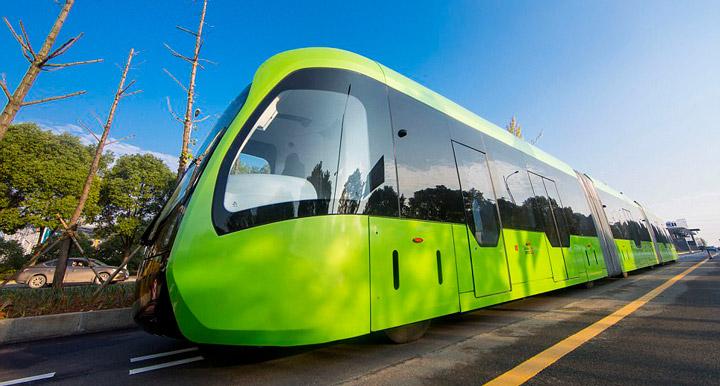Первый в мире безрельсовый трамвай
