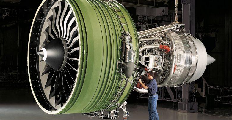 Большой 3D-принтер от General Electric печатает авиационные детали