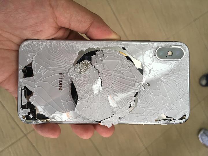 Стоимость замены стекол iPhone Х в РФ