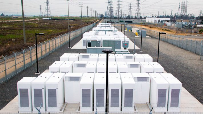 Tesla Powerpack – построить за 100 дней!