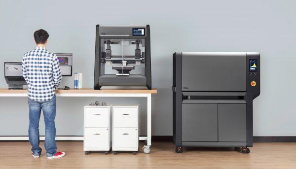 3D-принтер, который печатает металлические детали
