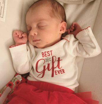 Ребенок родился из эмбриона здоровым через 24 года после заморозки