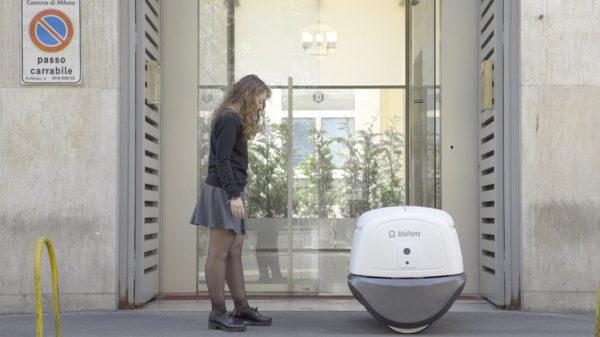 Робот-курьер YAPE тестируется в Италии