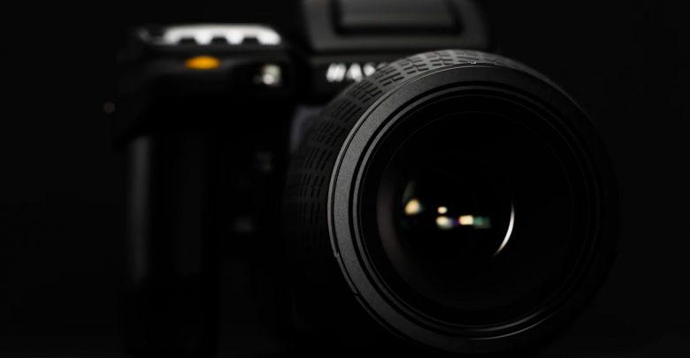 Камера Hasselblad H6D-400c имеет 100 мП матрицу и стоит 47 999 евро
