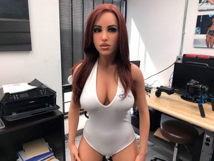 Обновленный секс-робот Гармония показался на CES 2018