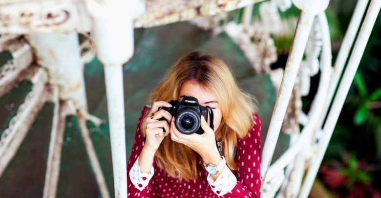 Canon представила EOS 1400D (Rebel T7) — бюджетную зеркалку с ИИ