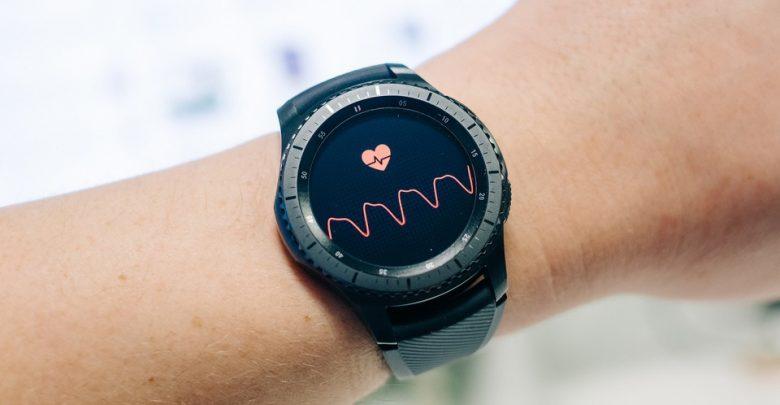 Samsung запатентовала часы Gear X, способные измерять давление