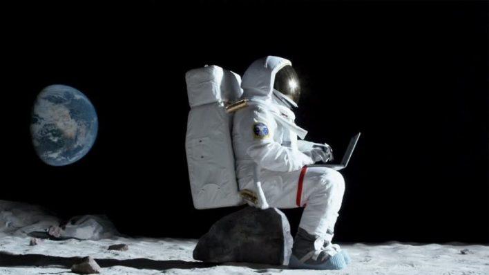 Интернет на Луне собираются развернуть Vodafone и партнеры