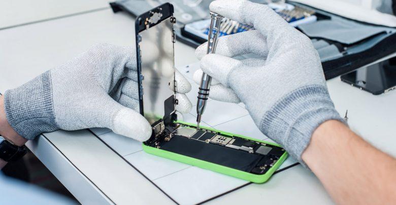 Как выбрать сервис для ремонта смартфона?
