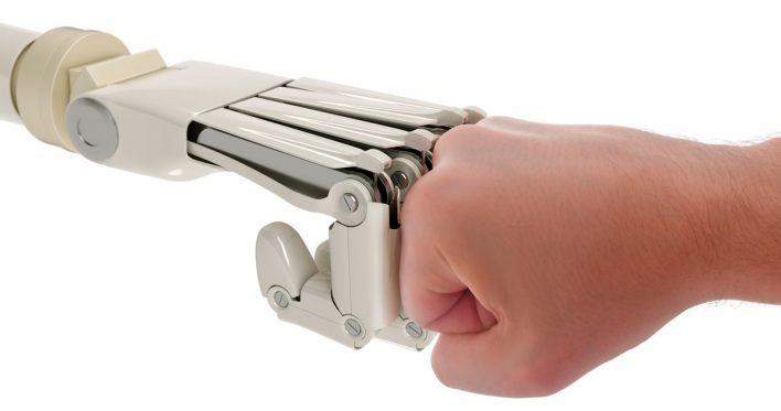 Ученый-футуролог уверен, что люди «сольются с машинами» ради выживания