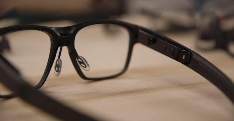 Смарт-очки Vaunt почти неотличимы от обычных очков!