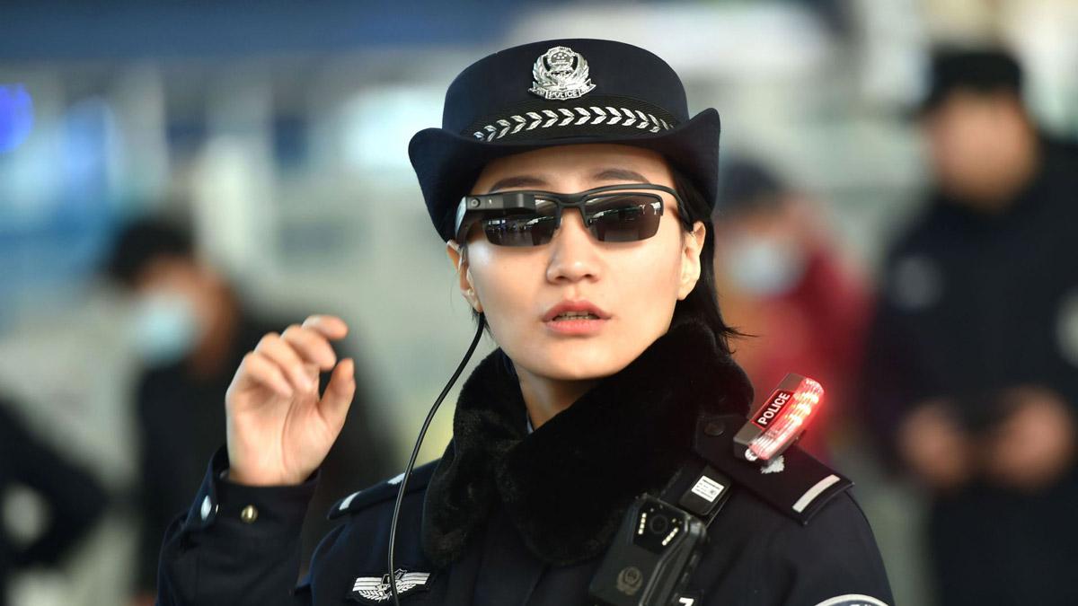 Полицейский внедряется гомосексуалист
