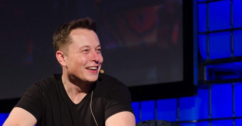 Илон Маск запускает новый «медийно-комедийный» проект!