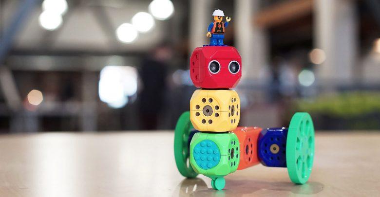 Конструктор научит ребенка программировать и собирать роботов